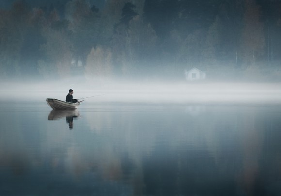 alone-on-a-boat-fishing