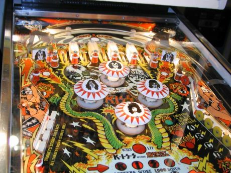 German_KISS_Pinball_machine_3